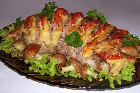 Запеченное мясо с грибами