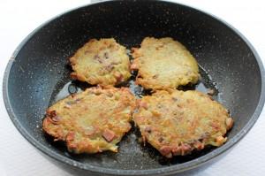 Картофельный драники с грибами