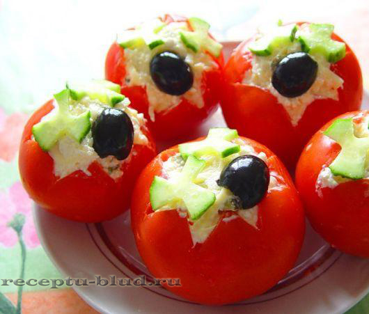 Фаршированные помидоры сыром