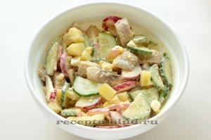 Салат с селедкой, картофелем и огурцом