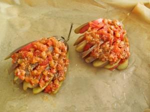 баклажаны с помидорным соусом