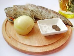 """Ингредиенты для блюда """"жареная рыба с луком"""""""