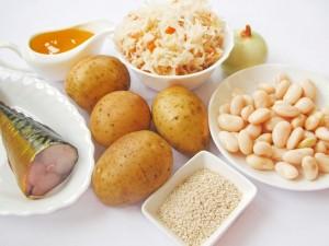 Ингредиенты для зимнего салата со скумбрией