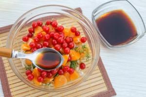 Заправьте витаминный салат соевым соусом