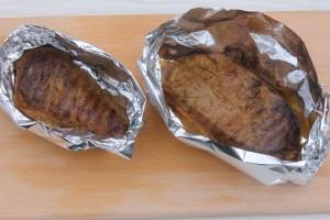 Оберните мясо в фольгу