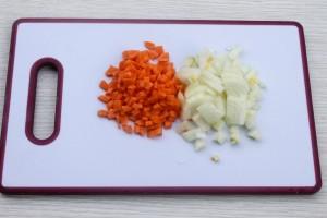 Лук и морковь нарезанные
