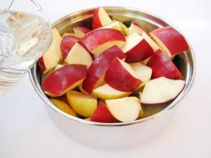 Сварите яблоки