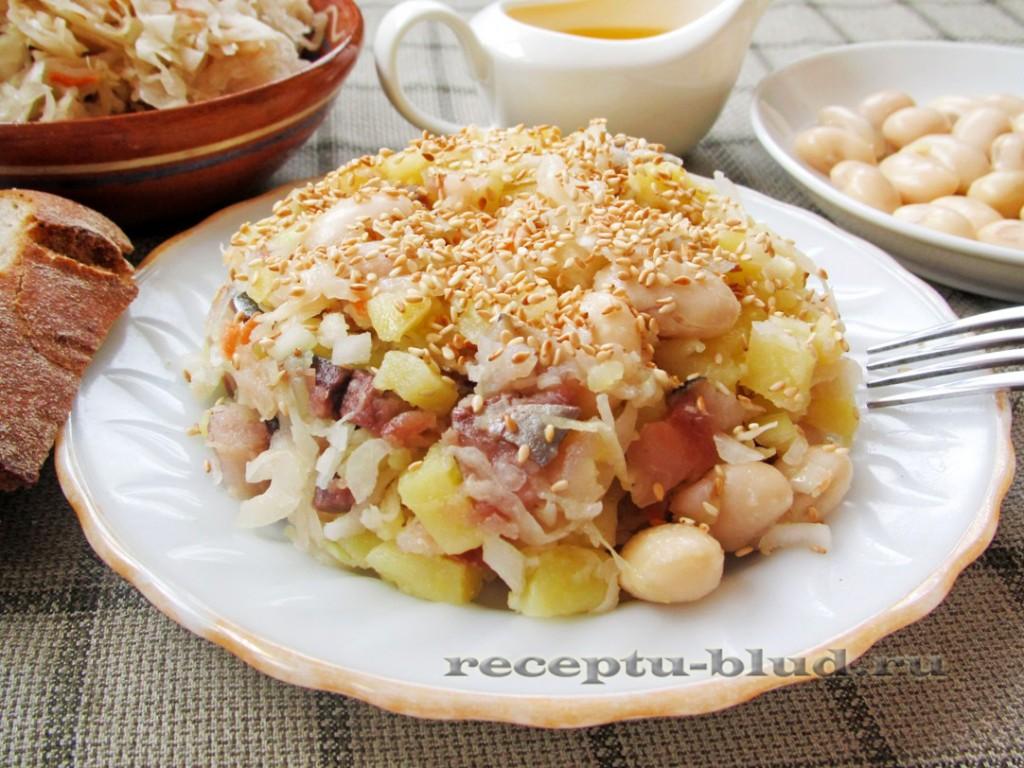 Зимний салат со скумбрией