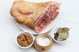Ингредиенты для запекания свиной рульки