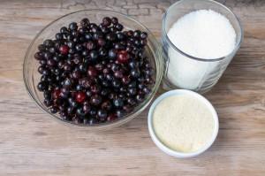 Продукты для приготовления десерта из смородины