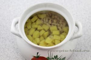 Картофель с бобами в супе