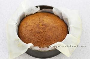 Готовый вкусный кекс со сгущенкой