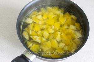 Отварите апельсины