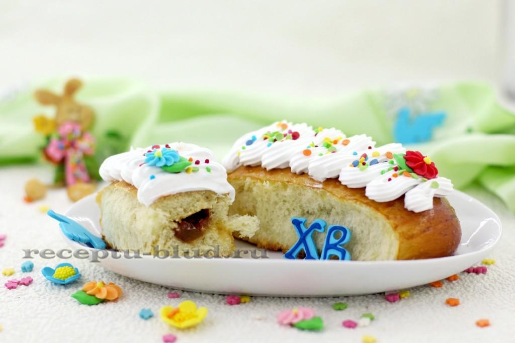 Пирожки на Пасху с белковой глазурью и повидлом