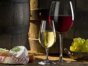 Бокалы для белого и красного вина