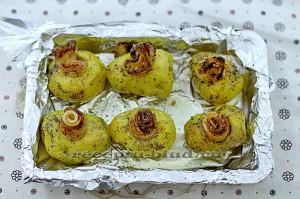 Картофель гриль в духовке с салом