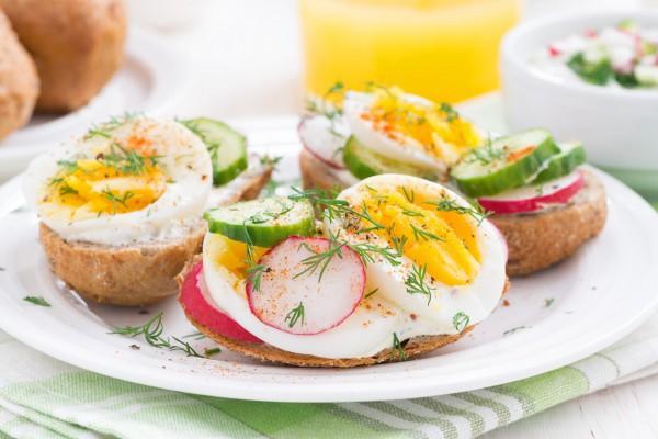 Весенние бутерброды на завтрак