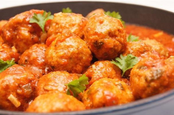 Тефтели куриные с рисом в томатном соусе рецепт