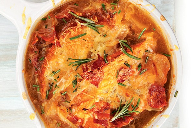 Луковый суп с беконом и белым вином