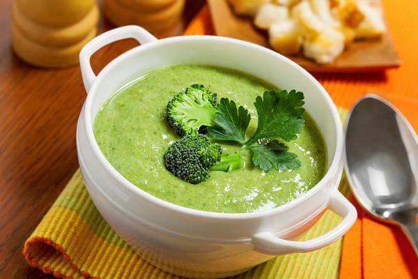 Фото: крем суп из брокколи с плавленым сыром