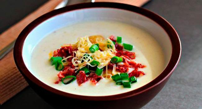 Сырный суп с картофелем и беконом